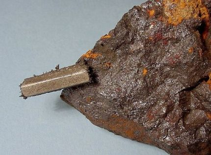 lodestone-magnet